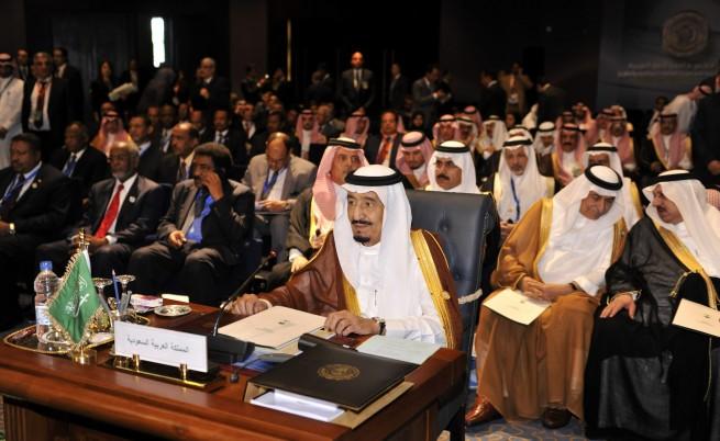 Крал Салман: Ударите в Йемен ще продължат до възстановяване на сигурността