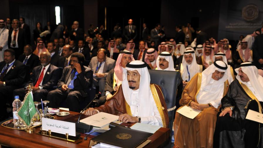 Крал Салман (на преден план)