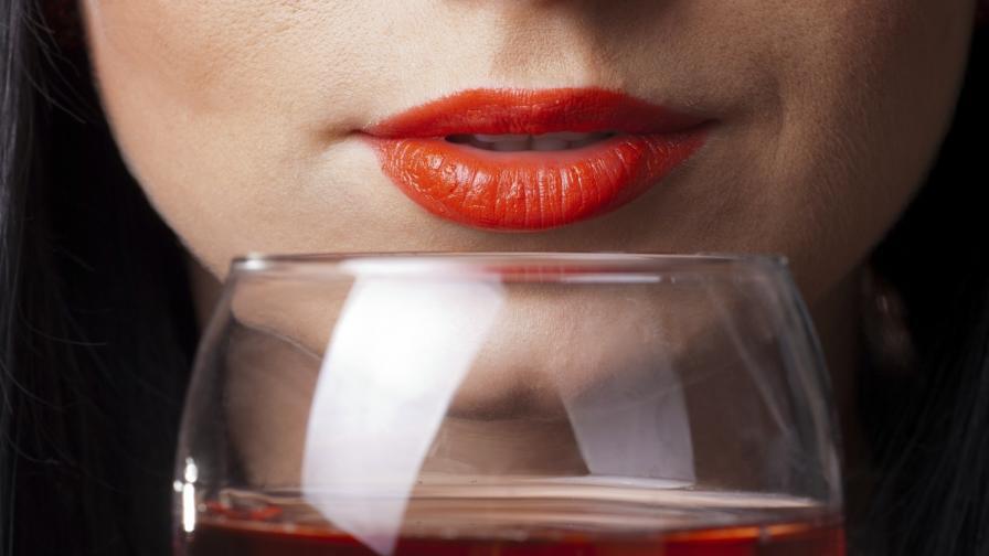 Учени: Виното уврежда зъбния емайл