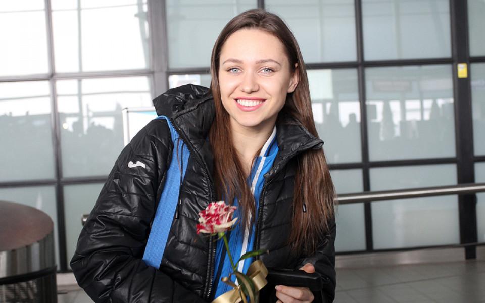 Златното момиче на българската художествена гимнастика Ренета Камберова ще представи