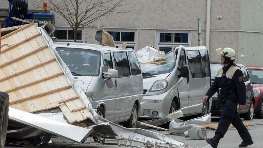 Ураганът Никлас взе най-малко девет жертви в Европа