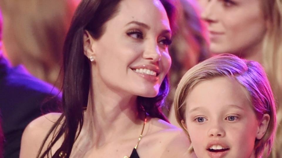 Анджелина Джоли заедно с дъщеря си Шайло