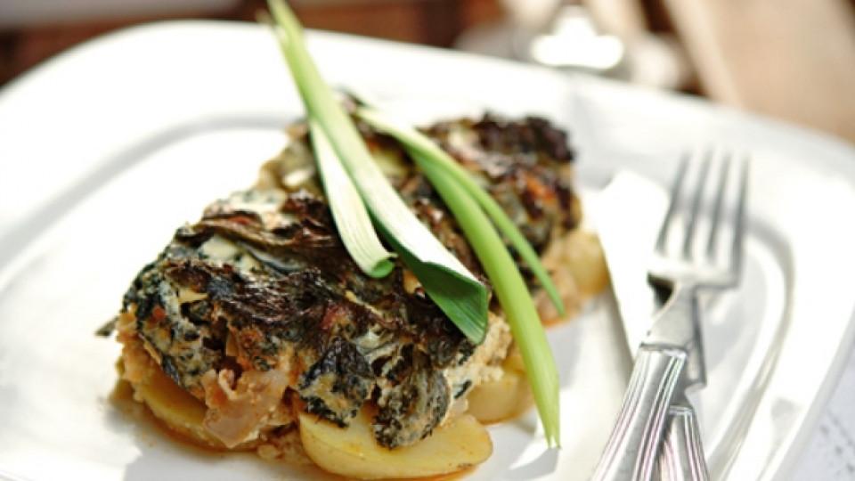 Агнешка мусака с коприва и картофи