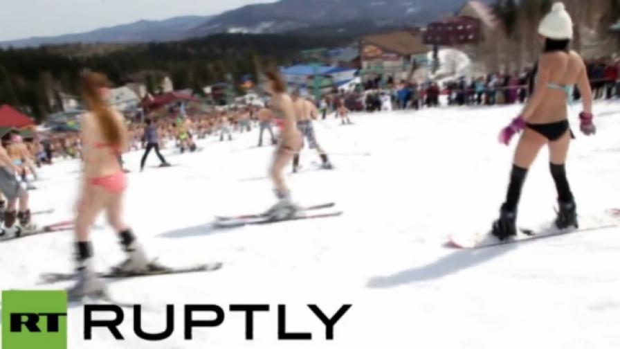 Опит за рекорд: 700 скиори по бански в Сибир (видео)