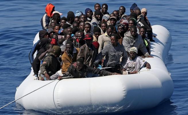 Оцелели разказват за глад, побои и убийства на борда на мигрантските кораби