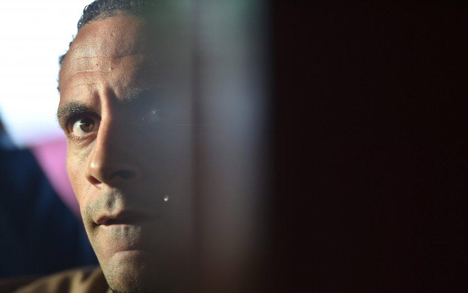 Рио Фърдинанд с критики към Ван Гаал