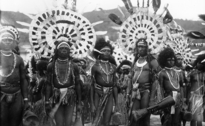 Племе в Нова Гвинея
