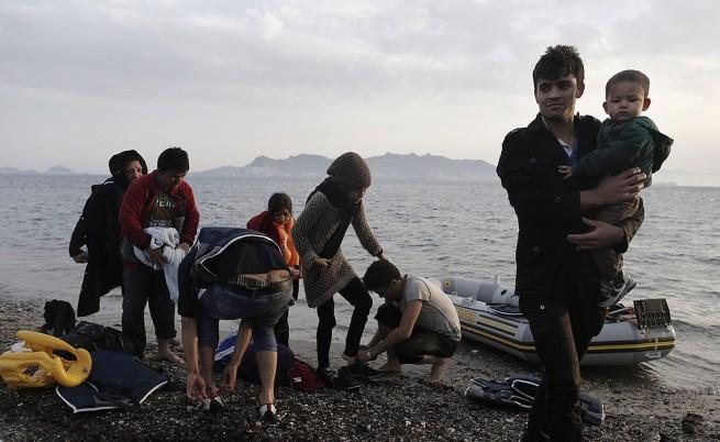 ООН: Милион мигранти са пристигнали в Европа по море