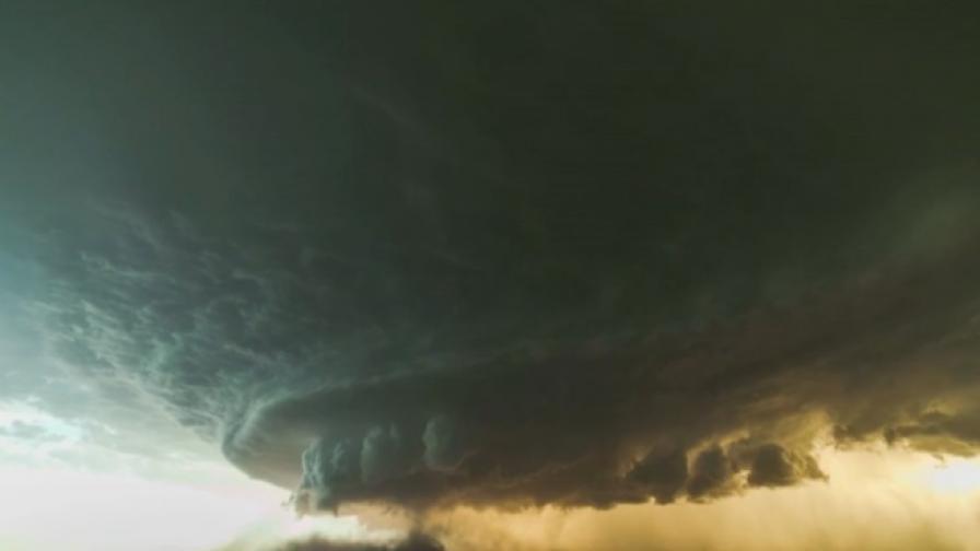 Да видиш буря суперклетка (видео)