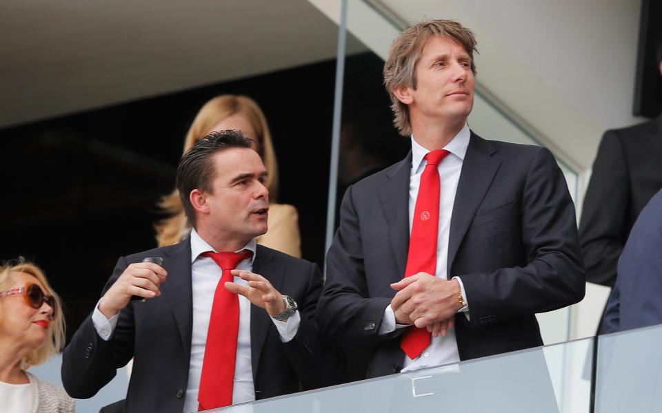 Бивш холандски национал става шеф в Арсенал от следващия сезон