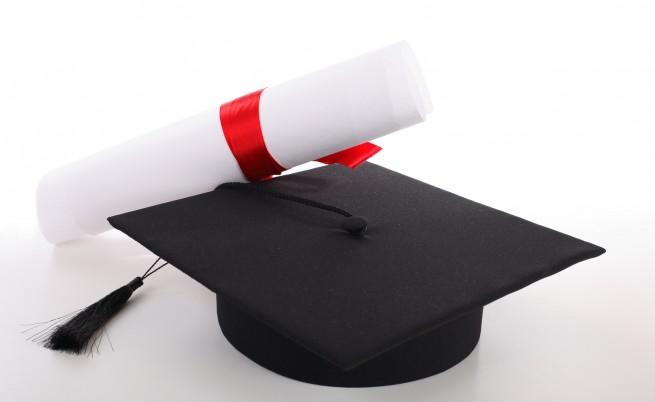 Дете чудо! Момче на 11 получи три дипломи от колеж (видео)