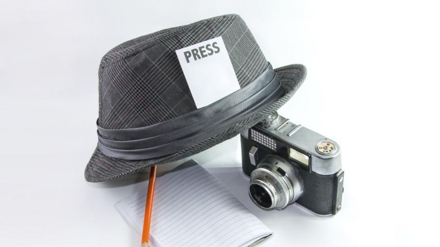 Уволниха журналист съчинявал репортажи от 20 години