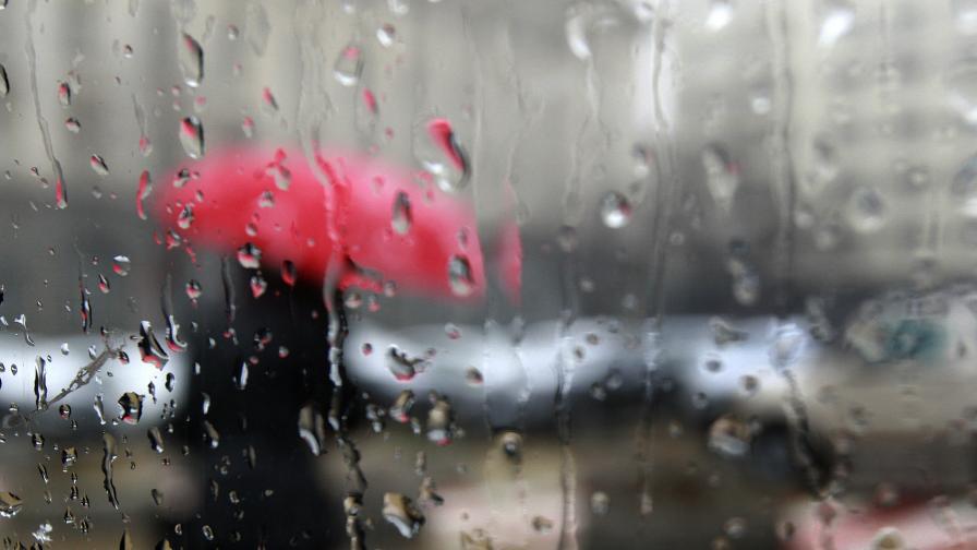 Заради дъжда: Бедствено положение в Мездра и Враца