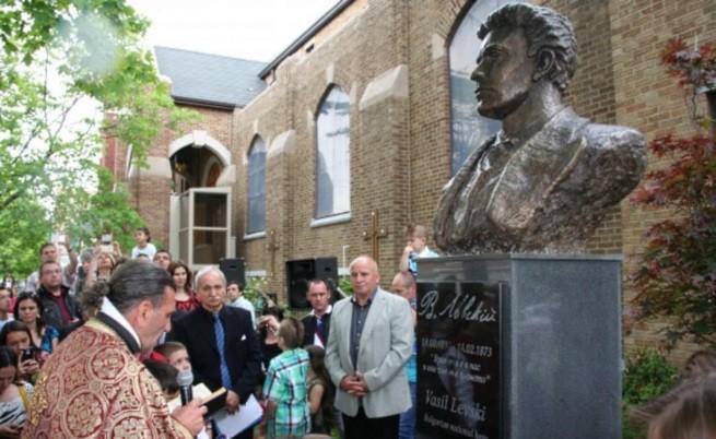 Триметров паметник на Васил Левски бе открит в Чикаго