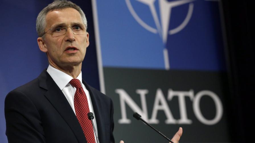 Столтенберг: Македония в НАТО веднага с новото име
