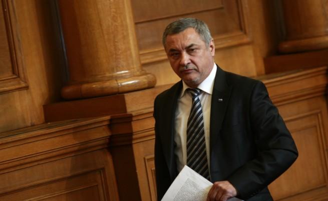 ПФ заплаши, че ще оттегли подкрепата си за кабинета