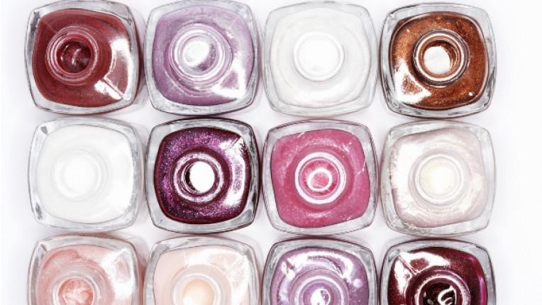 лак за нокти цветове козметика маникюр