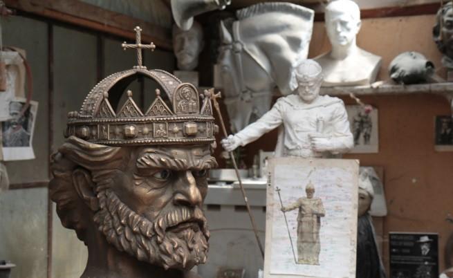 Спор преди откриването на паметника на цар Самуил