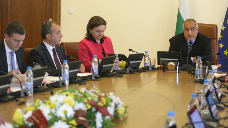 Борисов иска месец отсрочка за цената на тока