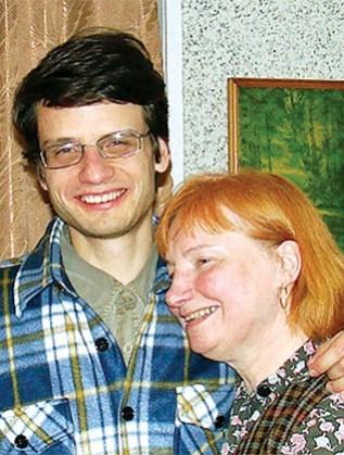Майка и син Пешеви