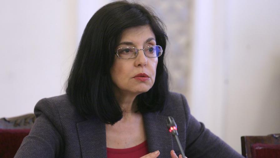 Пълна промяна на матурите от септември обеща Кунева