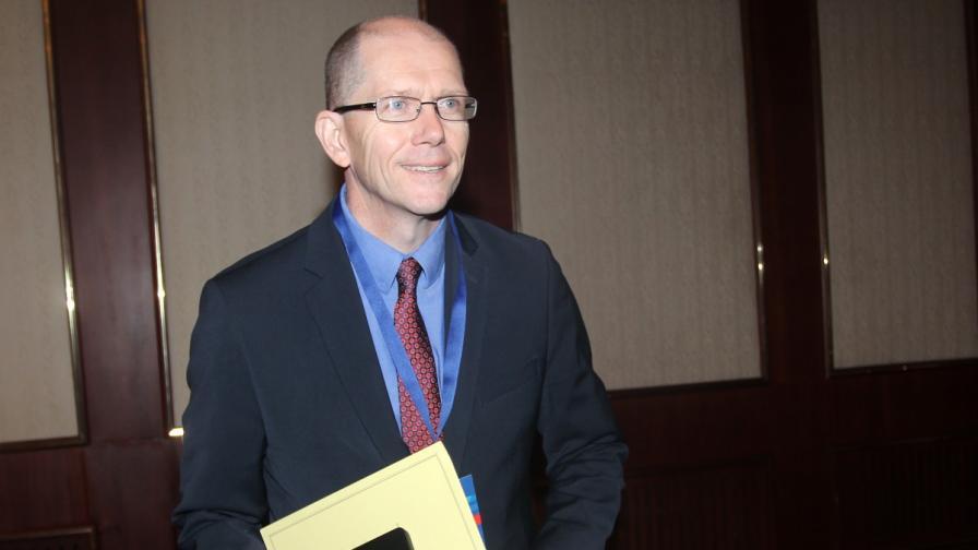 Представител на Световната банка: Бизнесът съветва да се избягва работата с институциите в България