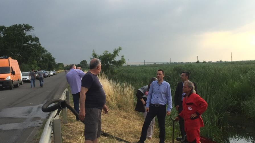 """Районният съд в Бургас отмени глобата на """"Лукойл"""" за разлива през юни"""