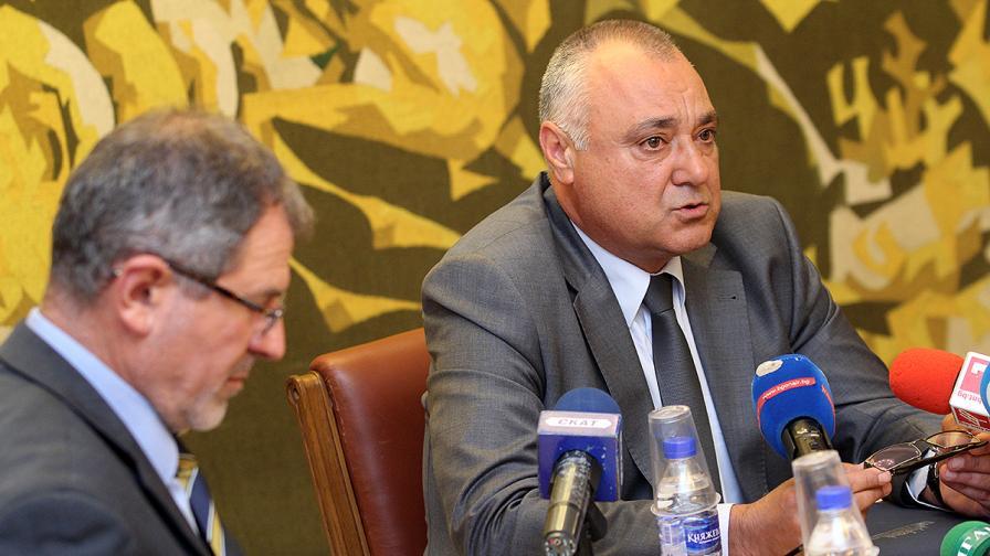 Методи Андреев (вляво) и Валентин Иванов