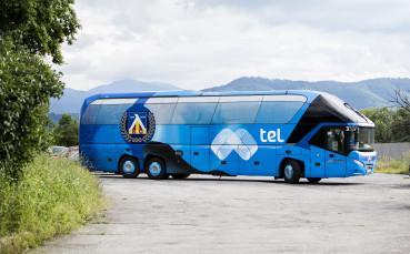 След драмата със самолета, Левски тръгна с автобус за Варна