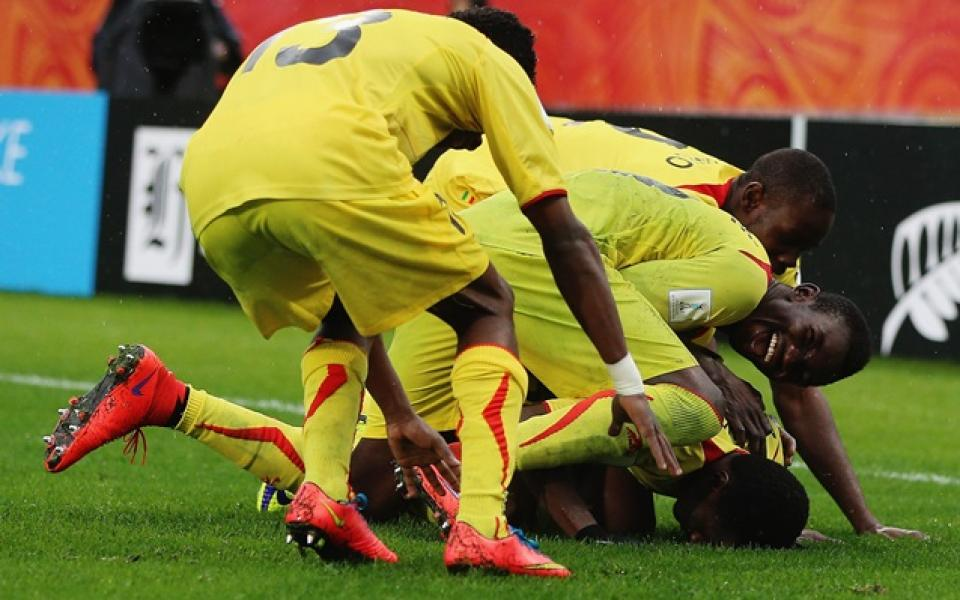 Сенегал награждава богато младежите за полуфинала на Световното