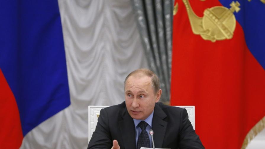 Путин продължи с една година ембаргото за внос в Русия на западни храни