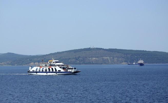 Круизен лайнер и танкер се сблъскаха, има пострадали