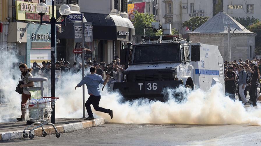 Турската полиция възмути Лейди Гага