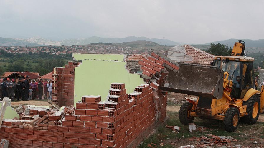 МРРБ: Предстои да бъдат съборени още 20 строежа в Гърмен