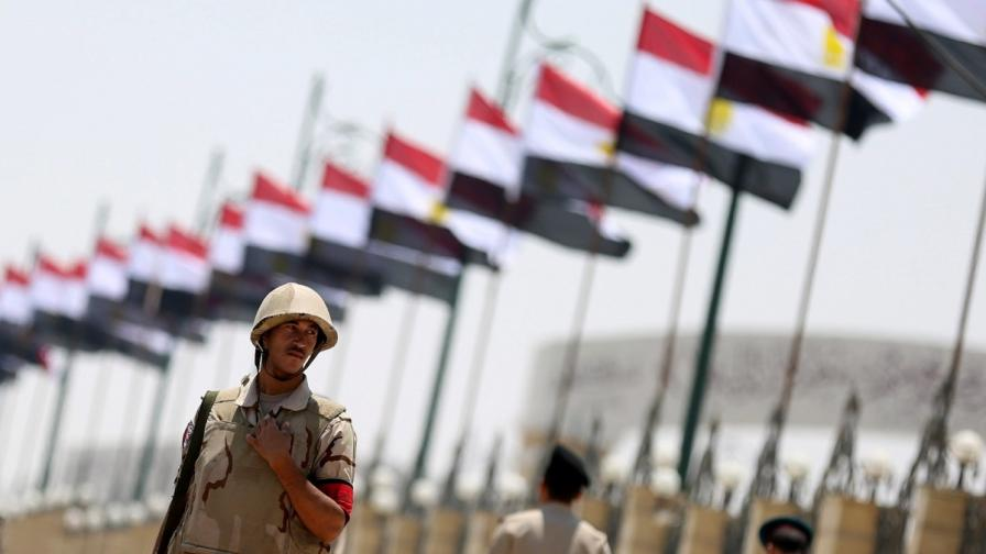 Египет бомбардира екстремистите в Синай