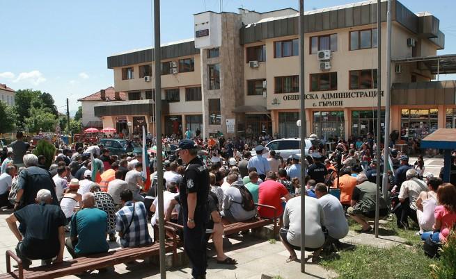 Водач на протеста в Гърмен дава етаж на роми