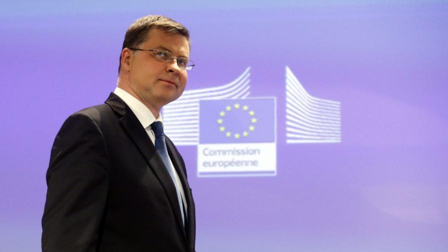 """ЕК: Гръцкото """"не"""" разширява пропастта между Гърция и останалите държави в еврозоната"""