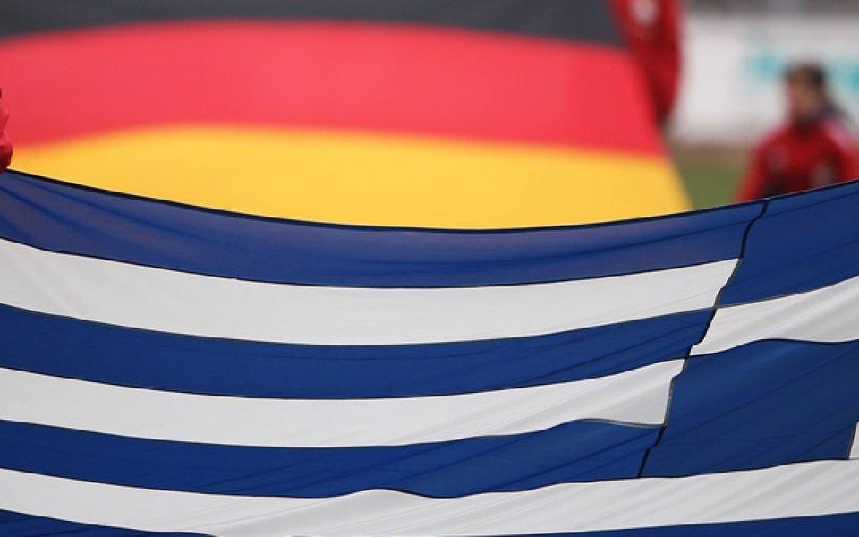 Мощни освирквания за химна на Германия в Гърция