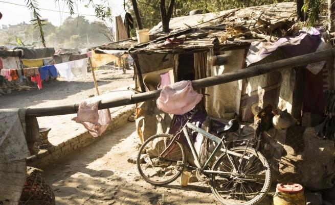 Колиби на крайно бедни жители на Катманду