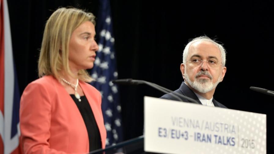 Върховният представител на ЕС за външната политика и сигурността Федерика Могерини и иранският външен министър Мохамад Джавад Зариф
