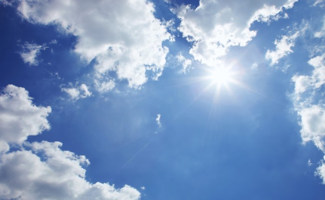 Рекордно топло в неделя, седмицата започва с вятър и слънце