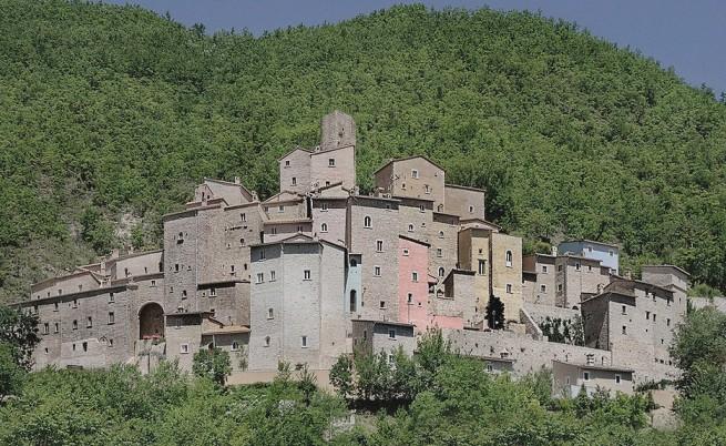 За продан: Средновековно италианско село