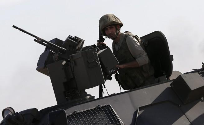 Турски войник бе убит, а други двама са ранени при стрелба от Сирия