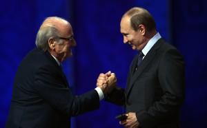 Путин кани Блатер на Мондиал 2018