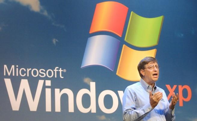 Бил Гейтс при представянето на XP