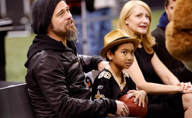 С Брад Пит през 2010 г.