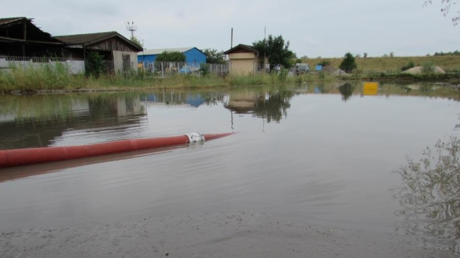 Пороен дъжд наводни Русе, градушка в Свищовско