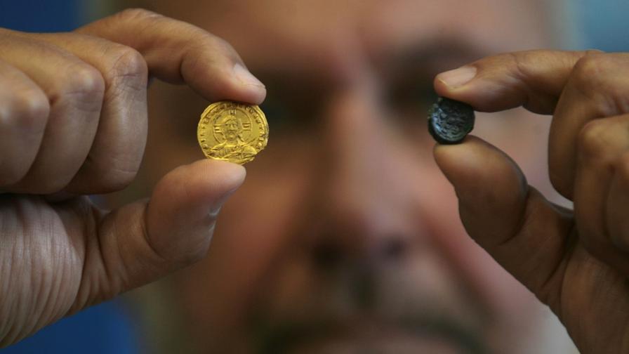 Нови находки от Перперикон – златна монета и печат