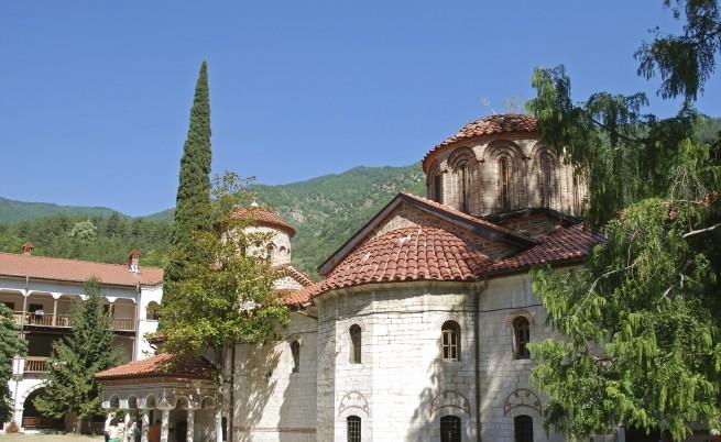 Вековната история на Бачковския манастир (снимки и видео)