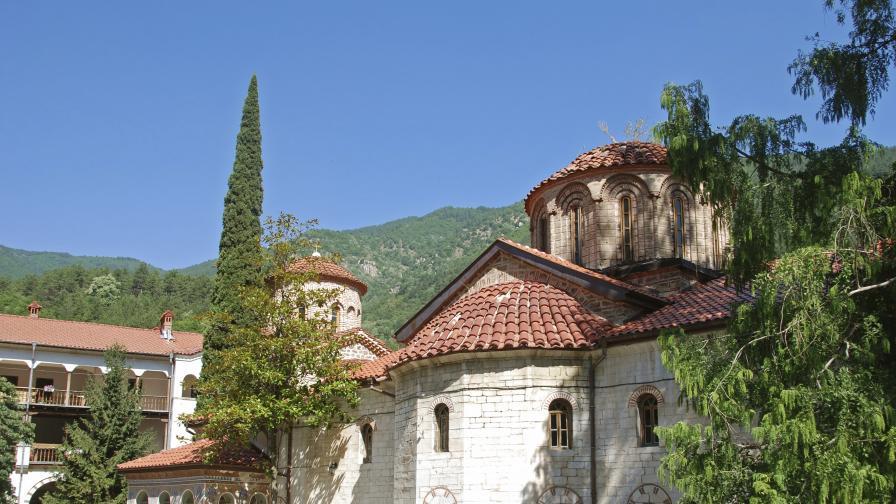 Вековната история на Бачковския манастир